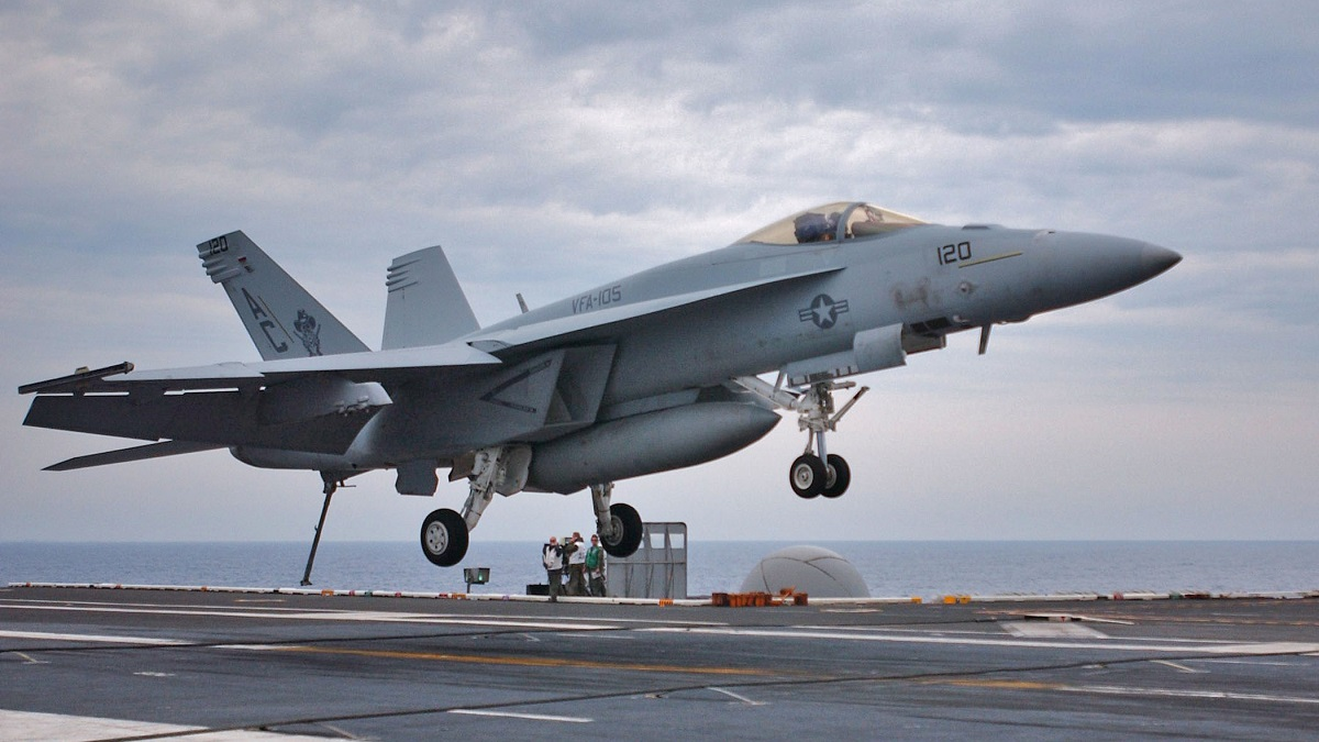 Производитель самолетов компания боинг объявила о планах развития самолетов f/a-18e/f super hornet более трех лет